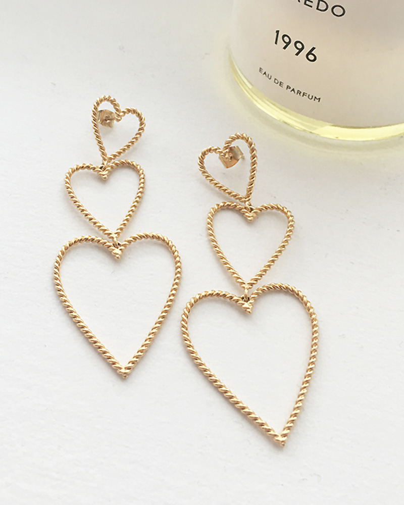 TRIPLE HEART EARRING